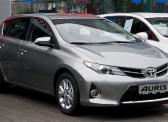 Toyota Auris E18 benzyna - cena przeglądu okresowego po 15 tyś. km / 12 miesiącach