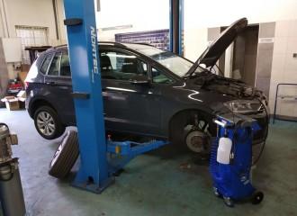 Czy warto sprawdzić auto przed kupnem u mechanika?