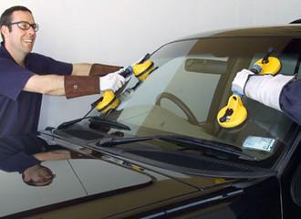 Wymiana szyb samochodowych – kiedy jest konieczna?
