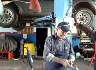 Czy można być wesołym, wydając pieniądze na naprawy auta swojego lub żony?  (AUTOLIN MOTO SERWIS)