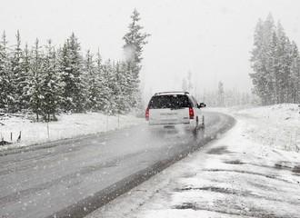 Jak zabezpieczyć samochód na zimę?