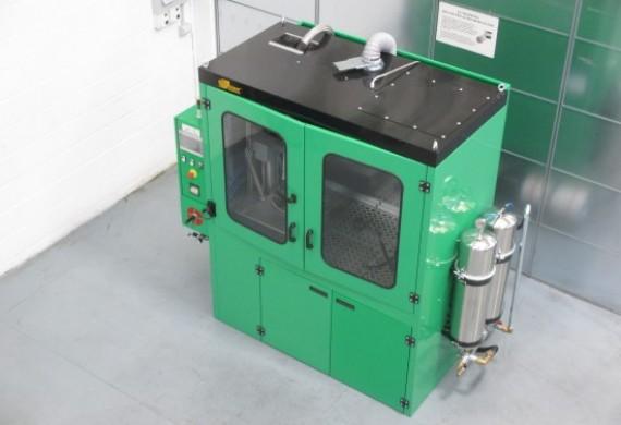 Do prania używamy specjalistycznej, opatentowanej maszyny Flash Cleaner Machine włoskiej produkcji. Wiele lat doświadczenia producenta tych urządzeń gwarantuje, że filtry są skutecznie i bezpiecznie czyszczone.