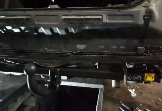 Dopasowania haka do nadwozia i montaż instalacji elektrycznej