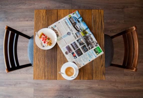 Pierwszy profesjonalny warsztat połączony z kawiarnią! Pełna mechanika wszystkich marek. Akredytacja Centrum Hamulcowego Ate. Sprawdź naszą jakość usług i smak kawy. Poczytaj książkę, popracuj z laptopem, umów się na spotkanie ze znajomym - po co tracić czas czekając na gotowy samochód!