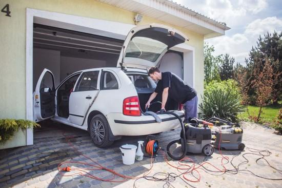 Pranie i czyszczenie tapicerki samochodowej