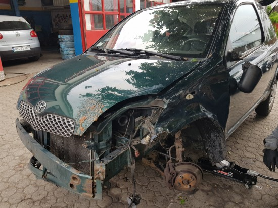 Toyota Yaris po wypadku
