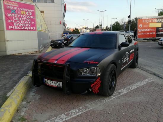 Projekt Dodge Charger 5.7 Hemi 390 km