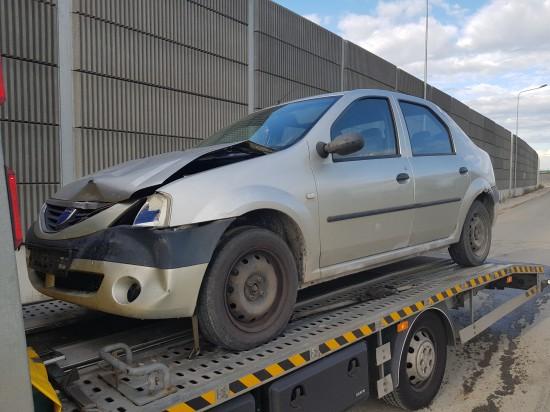 Dacia logan na naprawę blacharsko lakierniczą