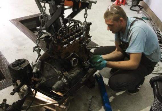 Nasz serwis w swojej ofercie posiada generalne remonty silników. Na wykonana usługę klient otrzymuje gwarancję i może cieszyć się pełną mocą i kolejnymi latami jazdy.