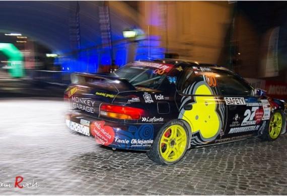 Nasz serwis prężnie działa w tematyce sportów samochodowych. Jeżeli chcesz przygotować auto do startów w rajdach czy KJSach, lub szukasz serwisu, który zna temat serwisowania pojazdów