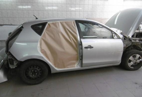 Pomieszczenie w którym przygotowuje się pojazd do lakierowania