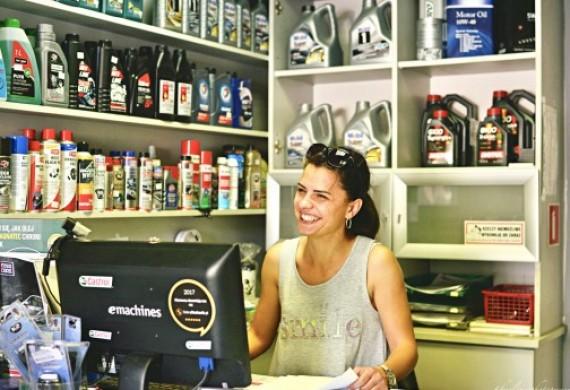 Biuro i sprzedaż części samochodowych
