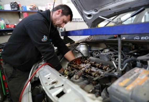 Mechanika pojazdowa, myjnia parowa, auto detailing i ubezpieczenia