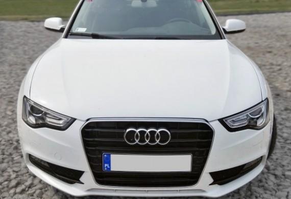 na zdjeciu widzimy Audi a5 po montazu przedniej szyby