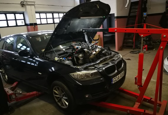 BMW E91 - 2.0D N47, zerwany rozrząd.