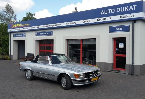 Mercedes R107 po renowacji