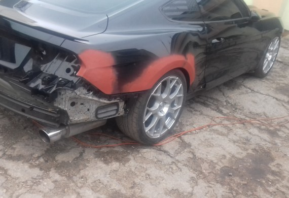 uszkodzony tył  samochodu