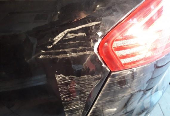 Ford Mondeo Mk4 w przed malowaniem
