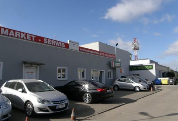 Serwis i sprzedaż samochodów.