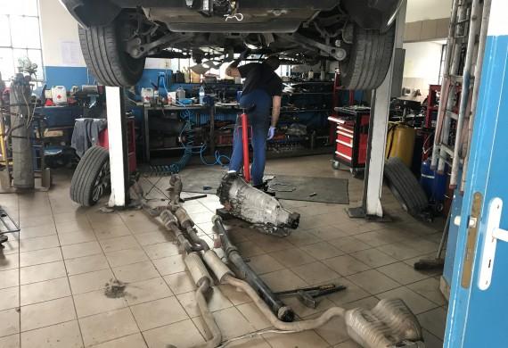 Auto Serwis GT hala warsztatowa