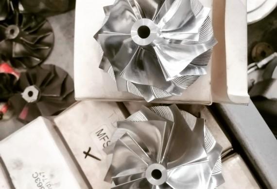 Podczas budowy turbosprezarki hybrydowej każdy jej element jest tak dobierany, aby efekt finalny byl maksymalnym wykorzystaniem potencjału turbosprężarki.