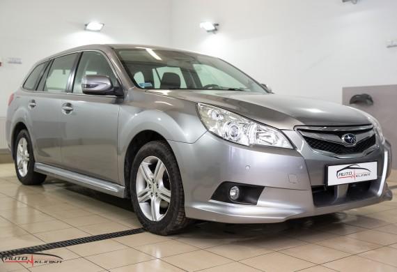 Subaru Legacy po wykonanych naprawach blacharsko-lakierniczych