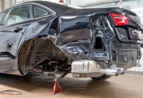 Nasz Salon Auto Klinika jest zobowiązany do bezgotówkowych likwidacji szkód na Państwa pojeździe oraz prowadzeniu dialogu z firmą ubezpieczeniową od samego początku do przywrócenia wyglądu pojazdu sprzed szkody zarówno z polisy OC jak i AC, oczywiście przy oddaniu pojazdu do naszego Salonu w celu naprawy otrzymają Państwo auto zastępcze na czas naprawy pojazdu. W tym pomogą Państwu wykwalifikowana kadra doradców do likwidacji szkód.