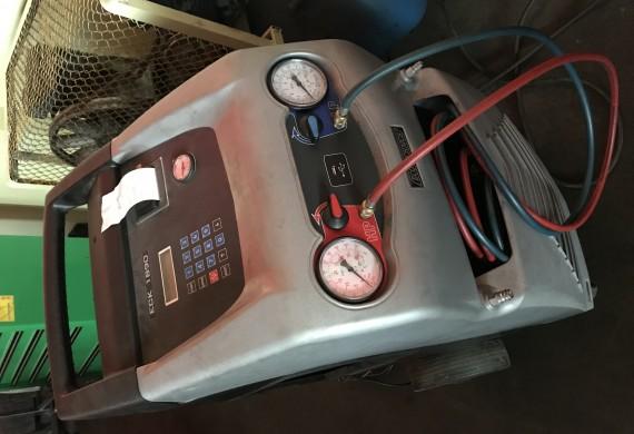 Od tygodnia u nas także klienci przeprowadzą pełen serwis klimatyzacji wraz z OZONOWANIEM swojego pojazdu - zapraszamy.