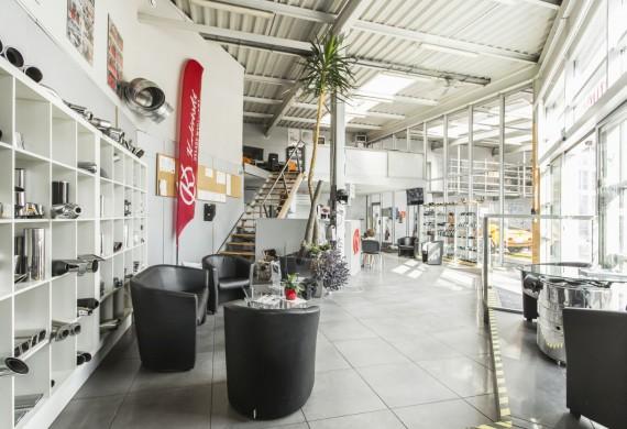 Wnętrze serwisu Kaliński - poczekalnia dla klientów