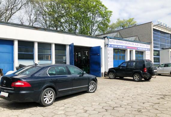 Nasz warsztat znajduje się na terenie Szkół Samochodowych na ul. Klonowica 14.