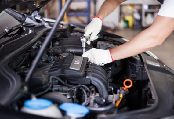 Przygotowaliśmy 8 niezależnych stanowisk do napraw mechanicznych aut, aby zapewnić szybki termin realizacji usługi w Lublinie. Oferujemy pełny zakres napraw mechanicznych. Oferujemy także bezpłatną pomoc w doborze części a także sprzedaż nowych części zamiennych i oryginalnych części BOSCH.