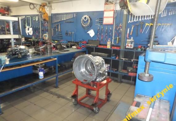 Nasza firma zajmuje się uczciwą i rzetelną naprawą oraz sprzedażą wszelkiego rodzaju skrzyń biegów do samochodów ciężarowych, autobusów i maszyn budowlanych.