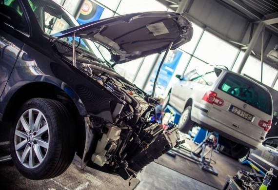 Wymiany rozrządów, naprawy silników, pełne weryfikacje usterek.