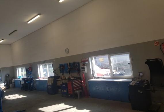 Środek hali warsztatowej - 4 stanowiska