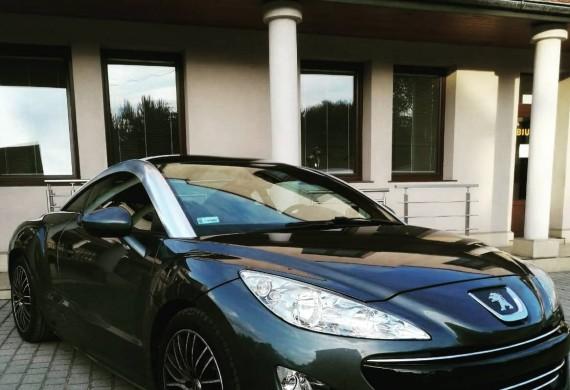 Peugeot RCZ 2.0 HDI- samochód trafił do nas z wyczuwalna utrata mocy oraz przekonaniem klienta o uszkodzonej turbosprężarce.  Przeprowadzona diagnostyka szybko wykluczyła awarie turbosprężarki,a ujawniła usterkę nieszczelnosci w układzie dolotowym która odbierała moc i satysfakcję z jazdy.  Dodatkowo naprawiliśmy PDC jak również Peugeot dostał nowy kompletny zestaw hamulców osi przedniej i nowe klocki osi tylnej.   #peugeotrcz #rcz #hdi #cartech #oem #brakmocy #brake #textarbrakes #textart #atesl6 #dobrymechanik #krakow #daily #hothatch #serwis #serwissamochodowy #peugeot #performance #nazaretańska71 #elektryka #diagnostyka