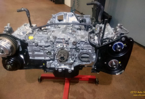 Silnik w trakcje odnowienia, z wykorzystaniem układu tłokowo korbowodowego MAHLE  Motosport Racing