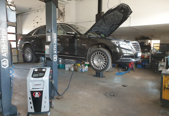 Mercedes-Benz Maybach S550