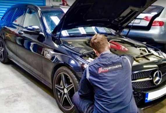 Naprawa samochodu klienta