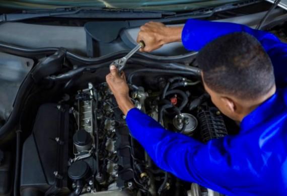 Przeprowadzamy regulacje silnika, wymianę wadliwych podzespołów i obsługę serwisową