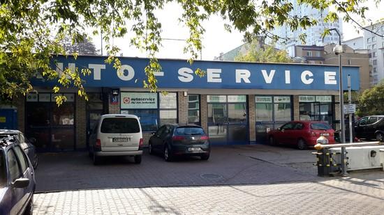 AUTOSERVICE - widok od strony ul. Grzybowskiej