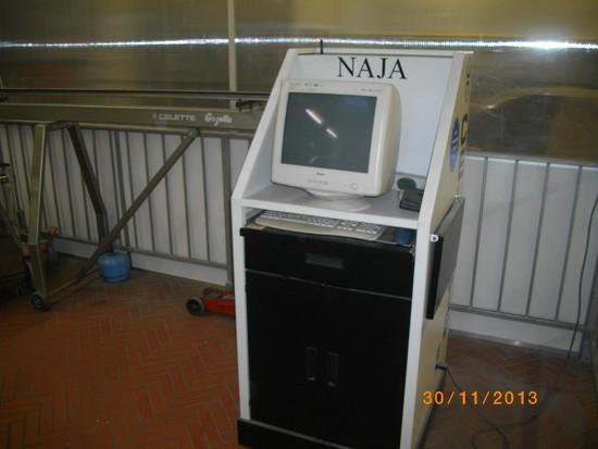 Urządzenie do pomiaru płyt podłogowych
