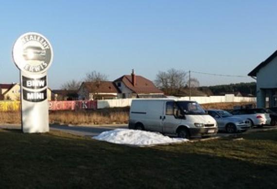 Widok naszej siedziby od strony trasy wlotowej z Krakowa do Kielc.