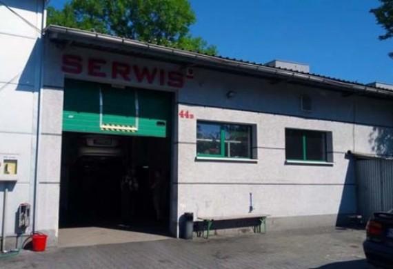 Nasza firma znajduje się na terenie Yamaha Ring Road. 30-552 Kraków, ul. Wielicka 44B
