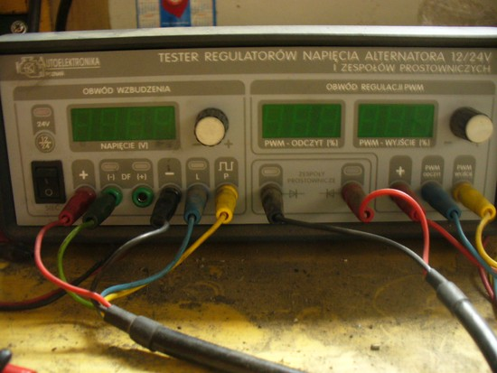 Tester regulatorów i układów prostujących