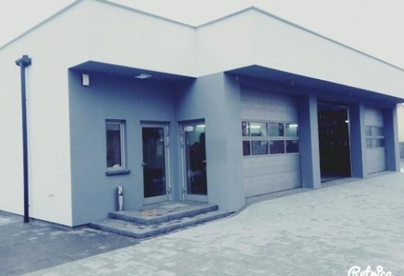 AUTO SERWIS ANDERSENA mieści się w Warszawie/Ząbki. Cenimy sobie fachowe i rzetelne, profesjonalne podejście do klienta.