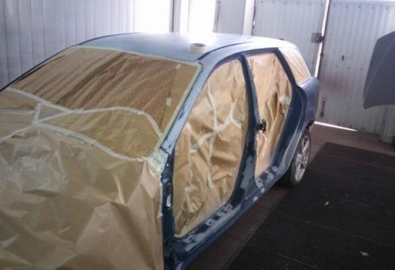 przygotowana mazda do pokrywania powłoka lakiernicza