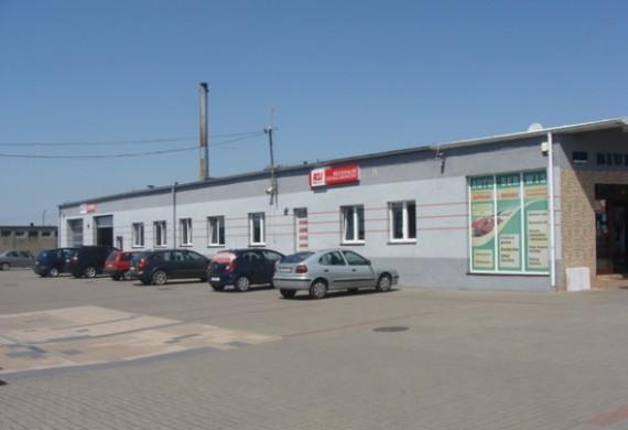Wjazd na stanowisko montażu LPG, elektromechaniki i napraw głównych.