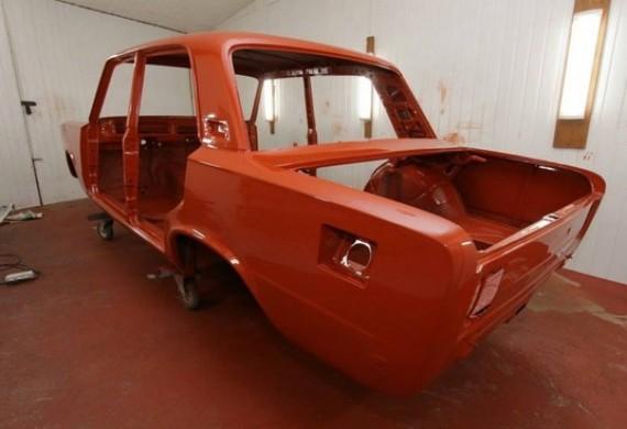 Zapewniamy kompleksowe naprawy blacharskie i lakiernicze samochodów zarówno współczesnych jak i zabytkowych. Naprawiamy samochody powypadkowe oraz przeprowadzamy renowacje samochodów zabytkowych.