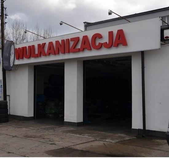 Siedziba wulkanizacja i geometrii kół Kamiks w Koszalinie przy ulicy Franciszkańskiej 26-28