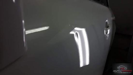Usuwanie wgnieceń parkingowych PRZED